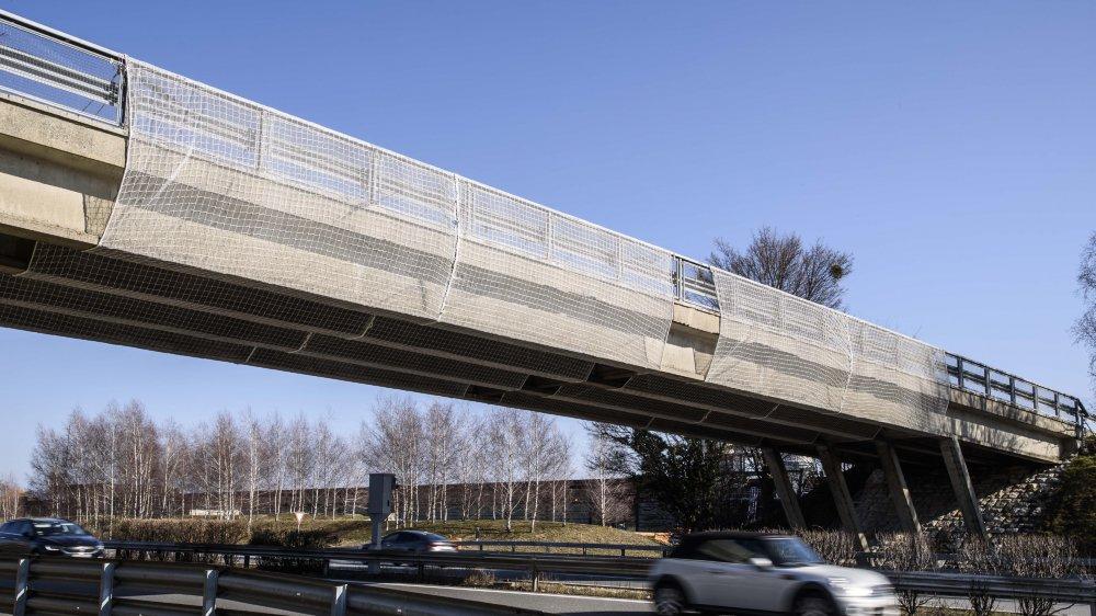 Trop abîmé, le pont actuel a été fermé le 21 janvier. Il sera démoli et reconstruit. Un pont provisoire sera réalisé dont l'avantage est sa rapidité de réalisation.