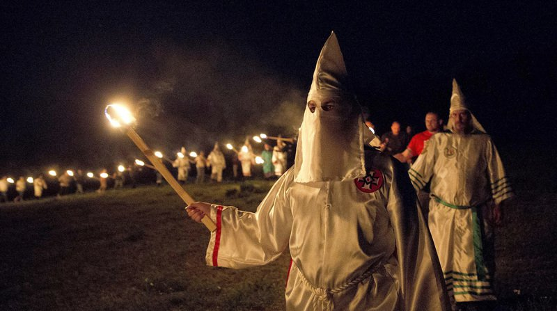 États-Unis: le patron d'un journal d'Alabama appelle au retour du Ku Klux Klan