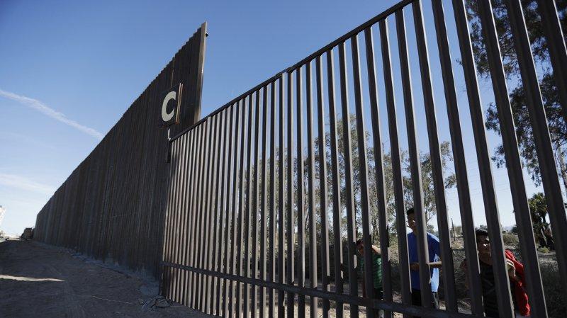 Etats-Unis: des défenseurs des papillons ne viennent pas à bout du mur de Trump