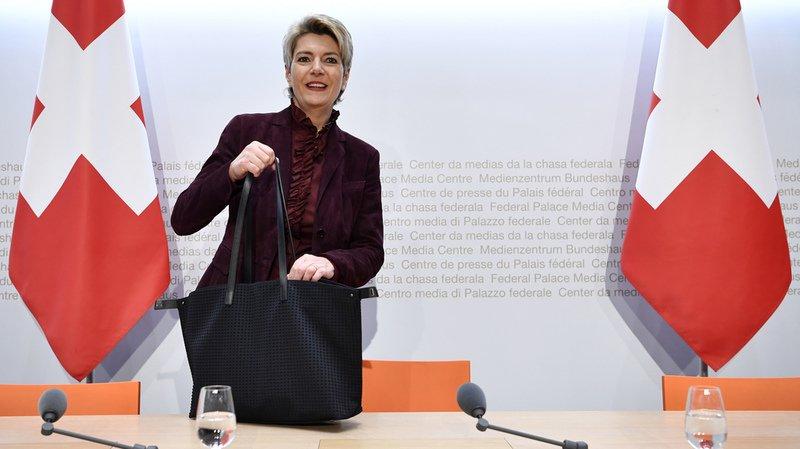 Votations fédérales: la loi sur les armes ne remet pas en question la tradition suisse du tir, selon Karin Keller-Sutter