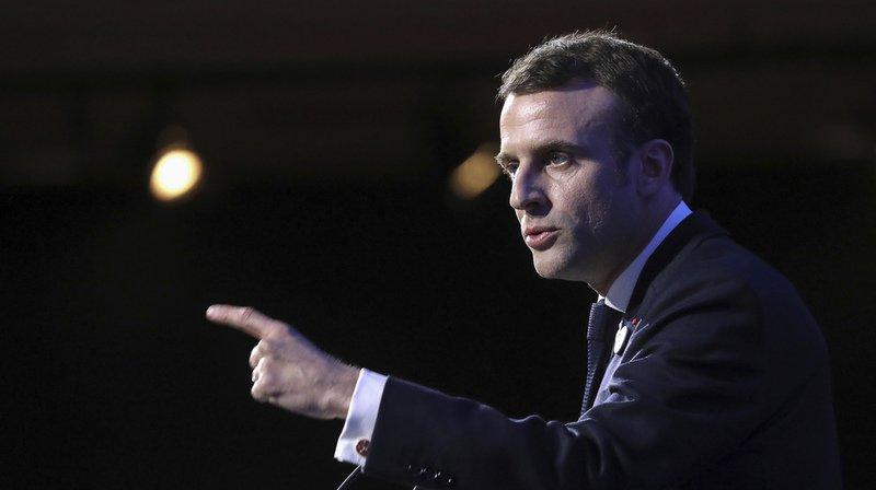 """""""Il faut maintenant dire que lorsqu'on va dans des manifestations violentes, on est complice du pire"""", a jugé Emmanuel Macron."""