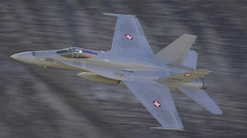 Sept autres avions ont déjà été inspectés et aucune fissure n'a pu être constatée sur le composant concerné, précise le DDPS. (illustration)