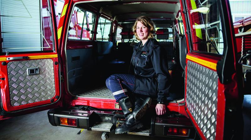 Rolle: une femme chez les pompiers, entre feu et eau