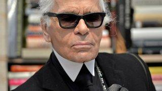 La mode pleure Karl Lagerfeld