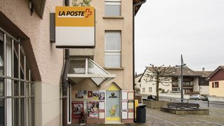 Crans: l'agence postale rebondit à la pharmacie