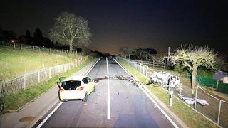 Vaud: un homme de 65 ans perd la vie dans un choc frontal à Assens