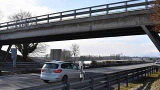 Bursins: trop abîmé, le pont sur l'A1 sera démoli