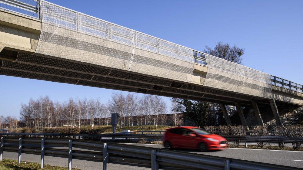 Certains ponts, comme ici à Bursins, ne vont pas attendre la troisième voie pour se refaire une beauté.