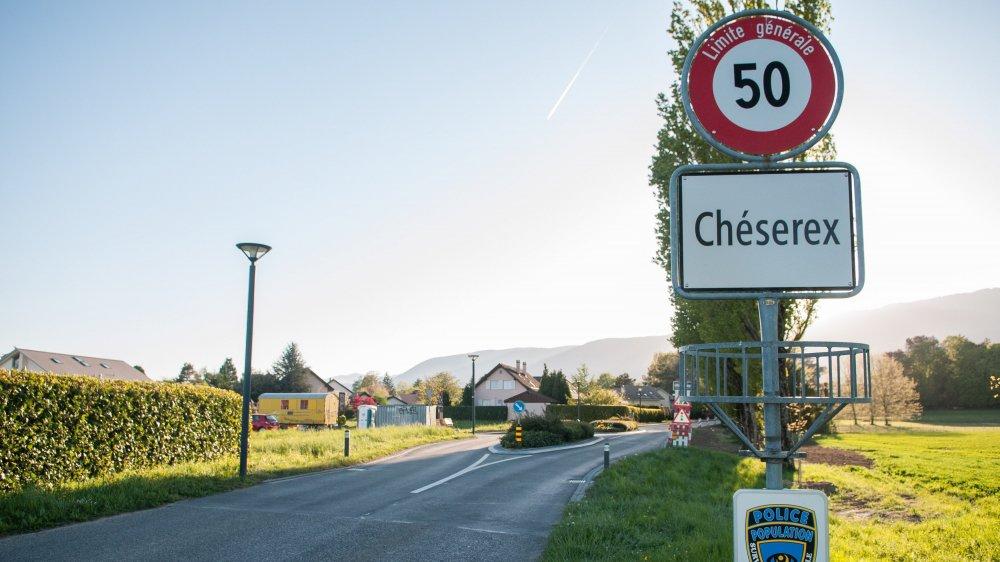 Le cheminement à créer longera la route de Chiblins, côté Jura, faute de pouvoir traverser la zone agricole, même non cultivée.