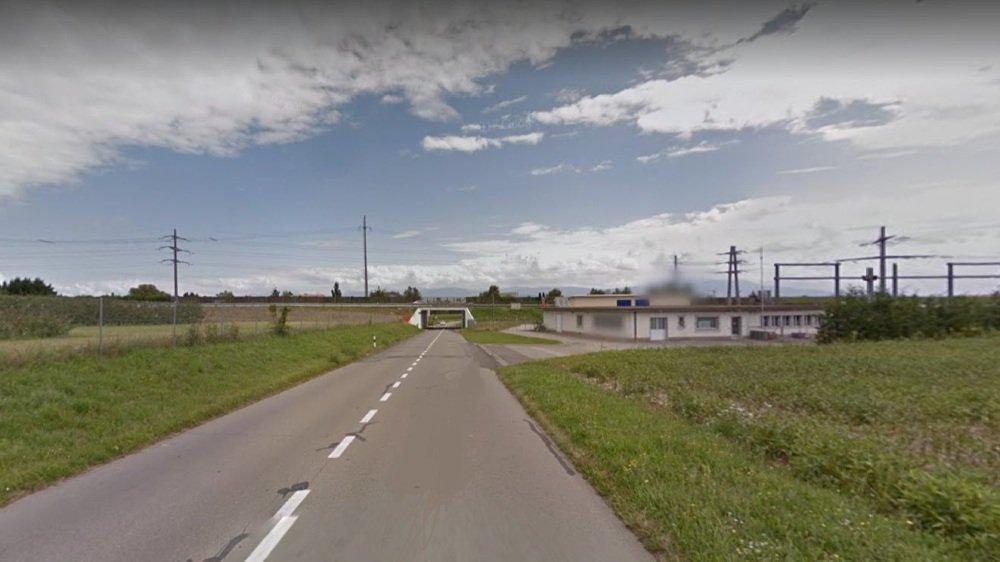 La municipalité devra se pencher à nouveau sur un postulat réclamant la création d'un trottoir ou un chemin de Signy jusqu'au Petit-Eysins.