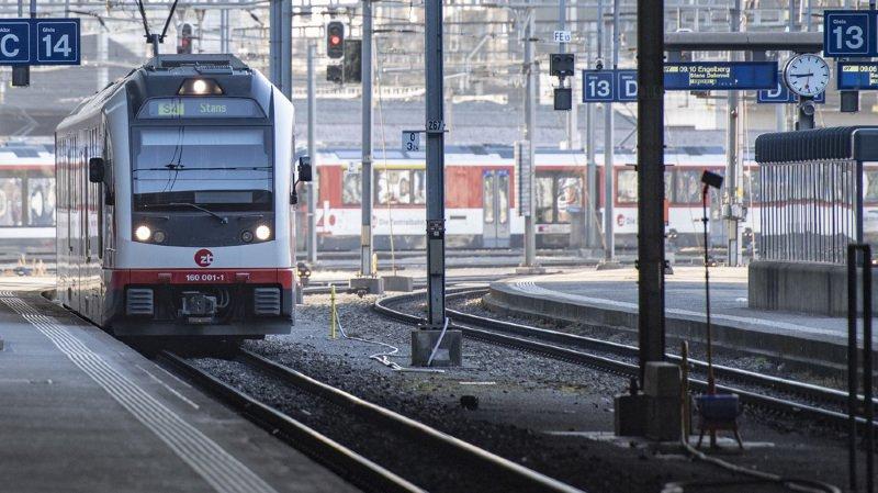 Les transports publics sont utilisés de manière différente dans les grandes agglomérations, dans les petites et dans les régions rurales. (illustration)
