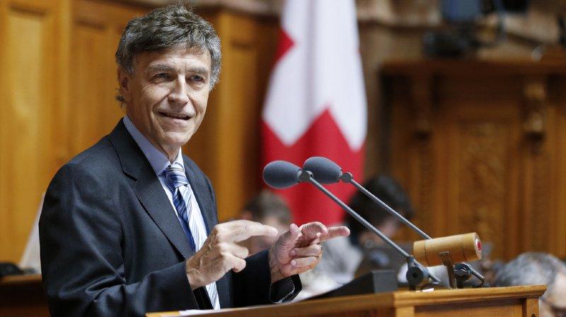 Berne: pincé avec de la cocaïne, le conseiller national Luzi Stamm prend une pause parlementaire