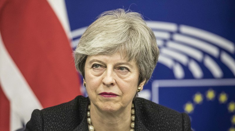 Mme May s'est rendue à Strasbourg pour rencontrer les responsables européens dans une tentative de sauvetage de l'accord de divorce.