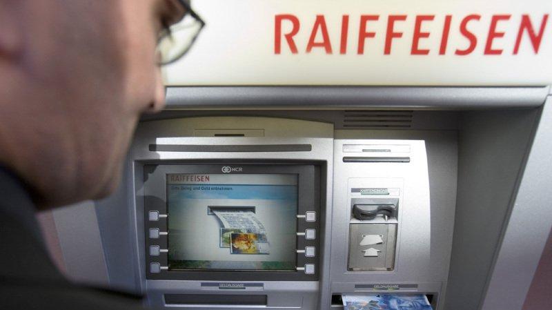 Des individus ont fait exploser un bancomat Raiffeisen dans la nuit de mercredi à jeudi, ils sont toujours recherchés.