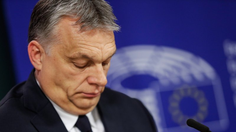 Le parti de Viktor Orban est mis au ban de la droite européenne.