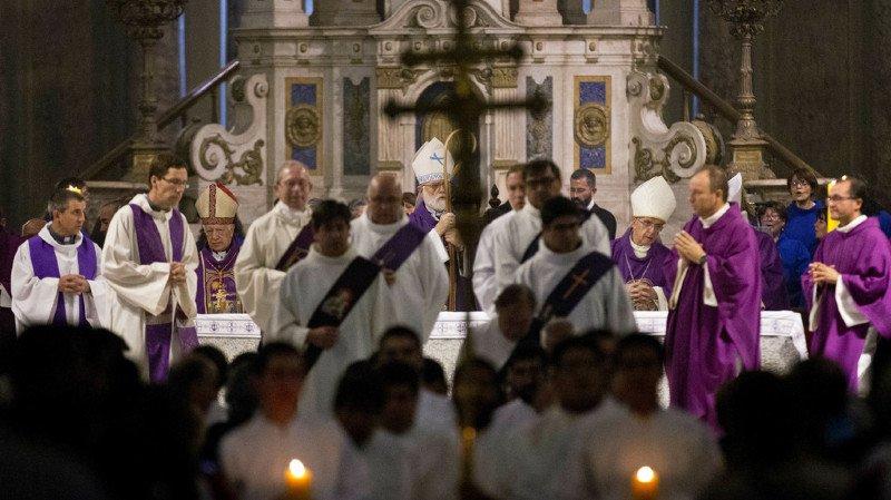 Des décennies d'abus et de silence entachent la réputation de l'église catholique chilienne de nouveau frappée par des accusations d'agressions sexuelles.