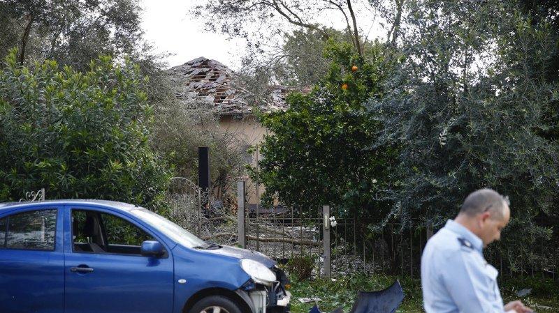 Israël: une roquette frappe une maison à Tel-Aviv et fait sept blessés