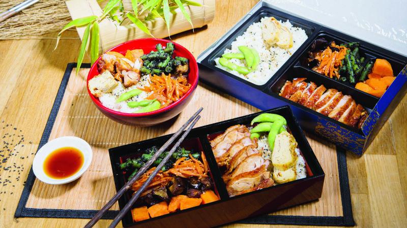 Boîte Bento au bœuf sésame, riz et légumes croquant.