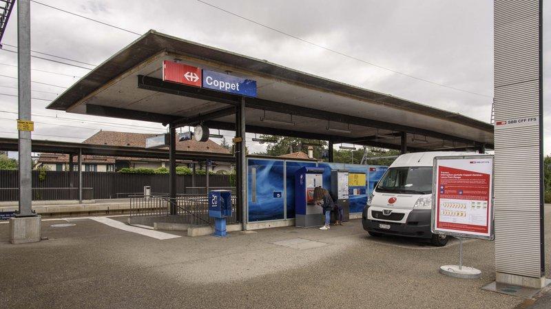Un violent affrontement a éclaté à la gare de Coppet, dimanche.