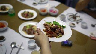 Alimentation: plus d'un aliment non emballé sur deux ne mentionne pas les allergènes