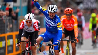 Cyclisme: le Français Julian Alaphilippe remporte Milan-San Remo