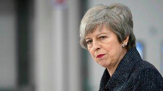 Paralysée, Theresa May demande un report du Brexit