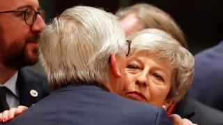Brexit: les Vingt-Sept resserrent l'étau
