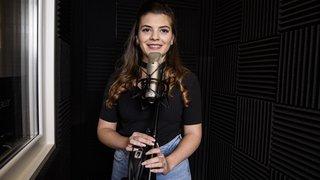 Finaliste du Kids Voice Tour, la jeune Jenny rêve en chansons