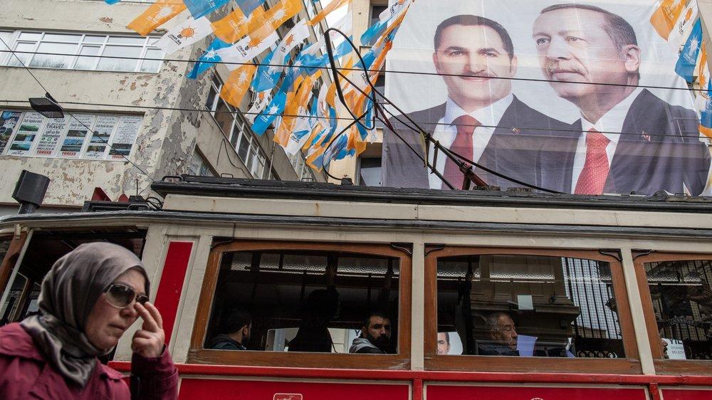 L'AKP, parti d'Erdogan, a déposé des recours à Istanbul et Ankara.