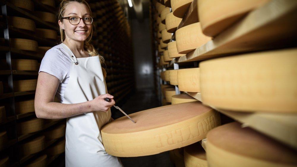 Zoé Vionnet suit sa formation de technologue du lait à Montricher.