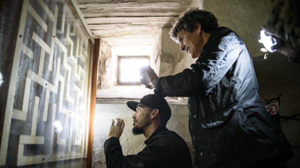Pascale Vollenweider et David de Longprez mènent l'enquête dans le donjon.