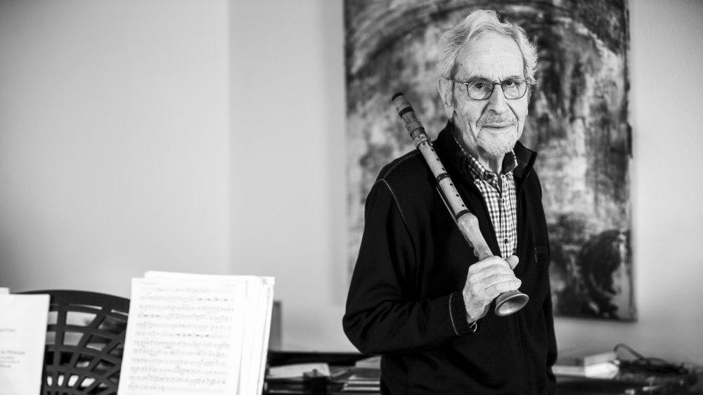 Edouard Garo a été professeur de musique au Gymnase cantonal de Nyon.