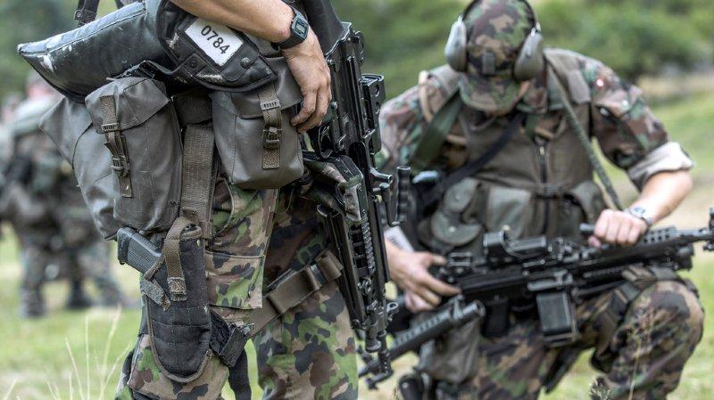 L'armée a jugé que 214 conscrits ne devaient pas porter une arme. Elle les a déclarés inaptes.
