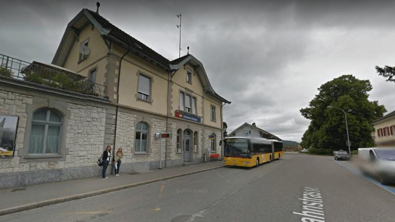 L'agression a eu lieu samedi soir à la gare d'Embrach.