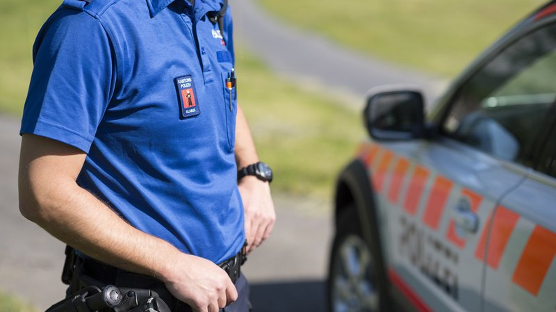L'accident de travail s'est produit dans un terrain escarpé, mais ses circonstances ne sont pas encore élucidées, selon la police glaronnaise. (Illustration)