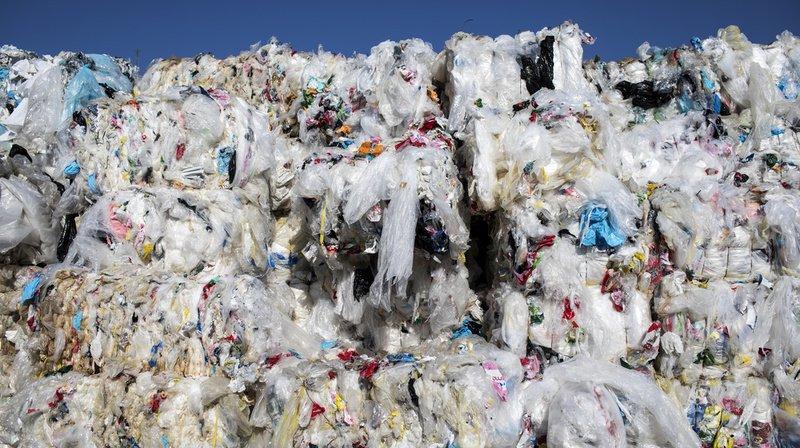 Déchets plastiques: la Suisse s'engagera pour un meilleur contrôle des exportations