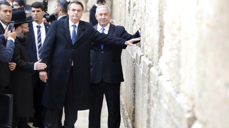 Bolsonaro semblait convaincu de sa réponse alors qu'il venait de visiter le musée de l'Holocauste à Jérusalem.