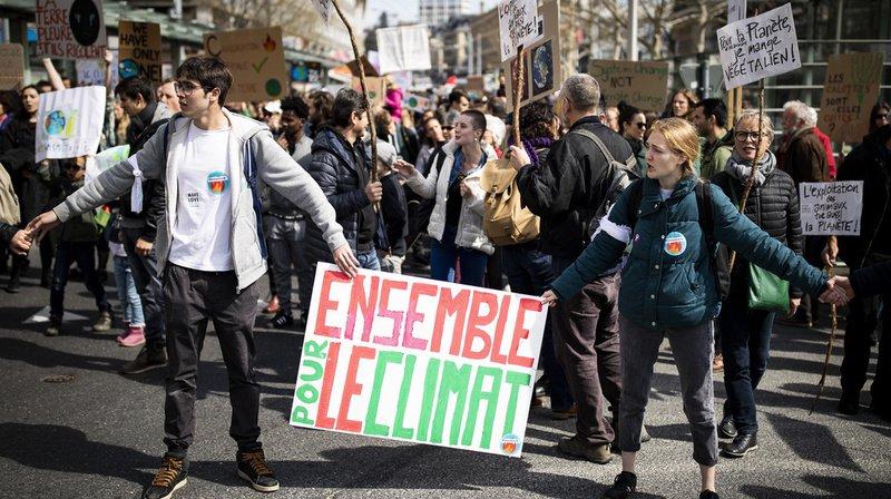 Suisse: plusieurs milliers de personnes à nouveau mobilisées pour le climat