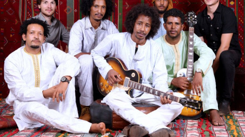 Tamikrest -MLI- + Sacha Love -CH-