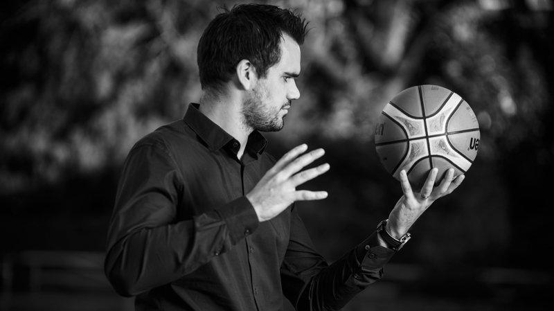 Xavier Paredes, une vie à prendre la balle au bond