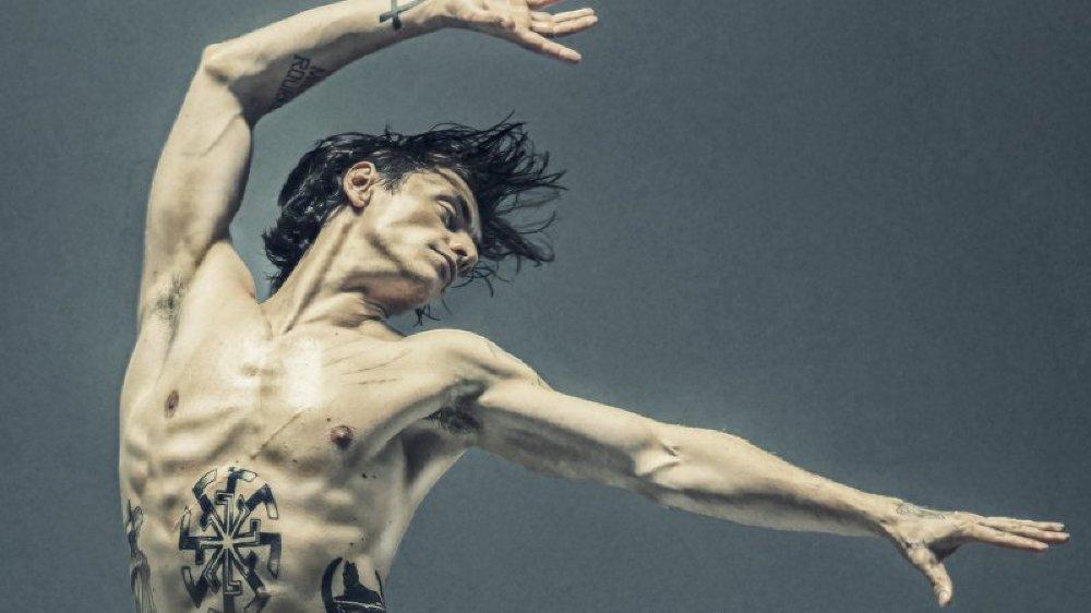 """Le Casino Théâtre de Rolle vous propose la projection du film """"Dancer"""" de Steven Cantor en avant-programme de la fête de la Danse."""
