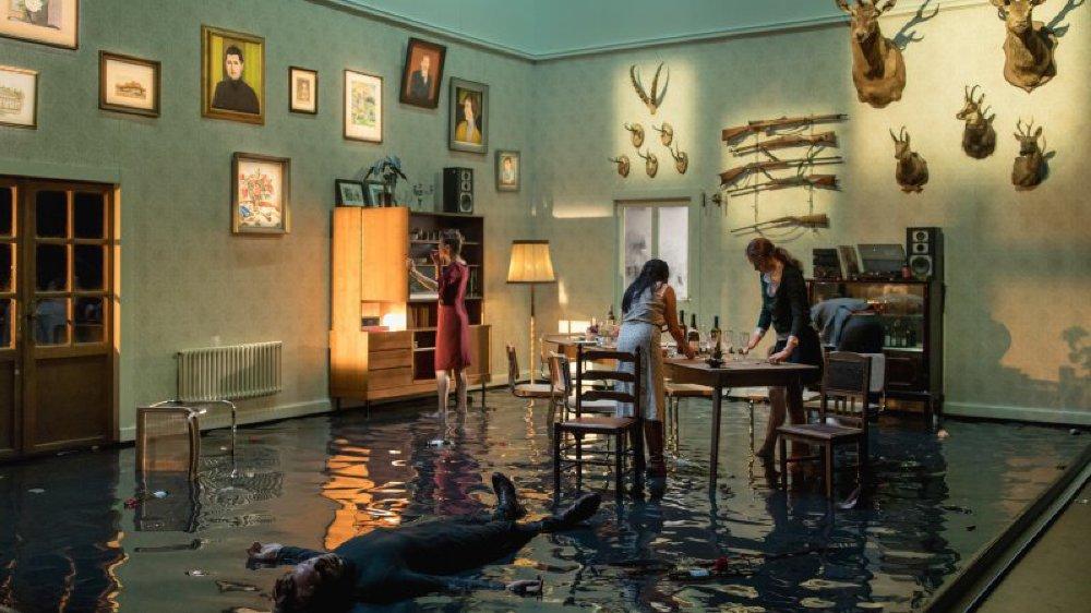"""Alexandre Doublet présente """"Love is a River"""", une pièce inspirée de """"Platonov"""" d'Anton Tchekhov, mais dont l'intrigue commence à la mort de l'antihéros."""
