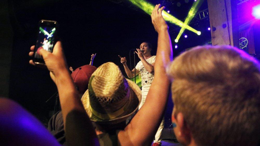 La 3e édition du festival Castel Live rassemblera les amateurs de musique et de bien manger et boire bon, au château de Duillier du 29 mai au 1er juin.