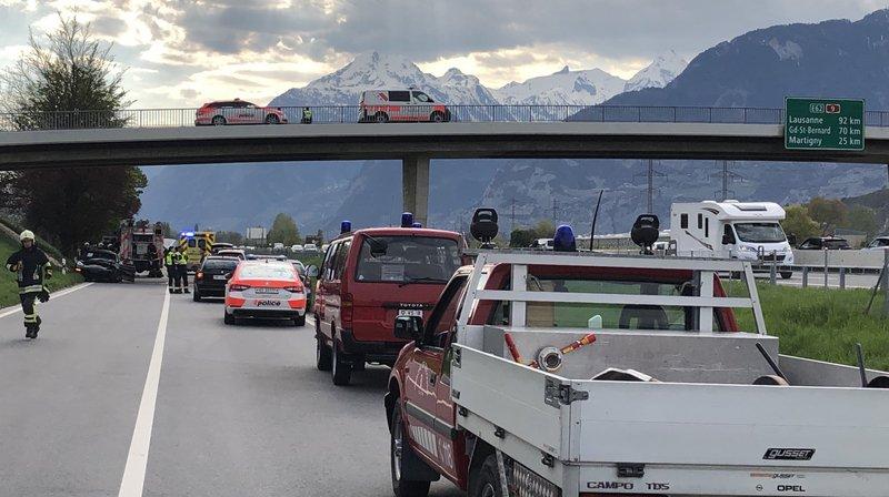 L'accident, visible depuis l'autoroute, a provoqué une longue fermeture de la route d'Aproz.