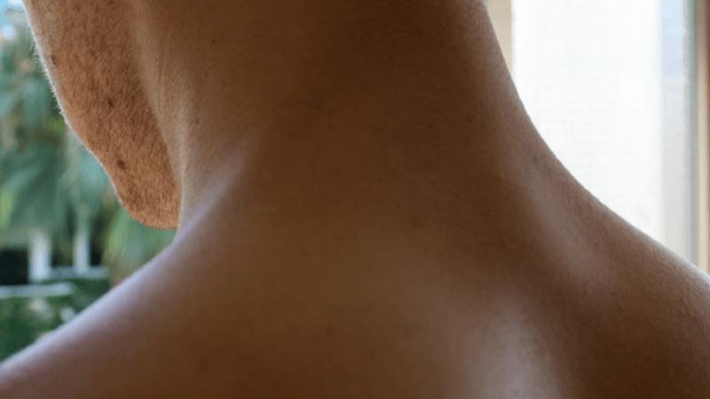Santé: un homme subit un AVC en se faisant craquer le cou pour soulager ses douleurs