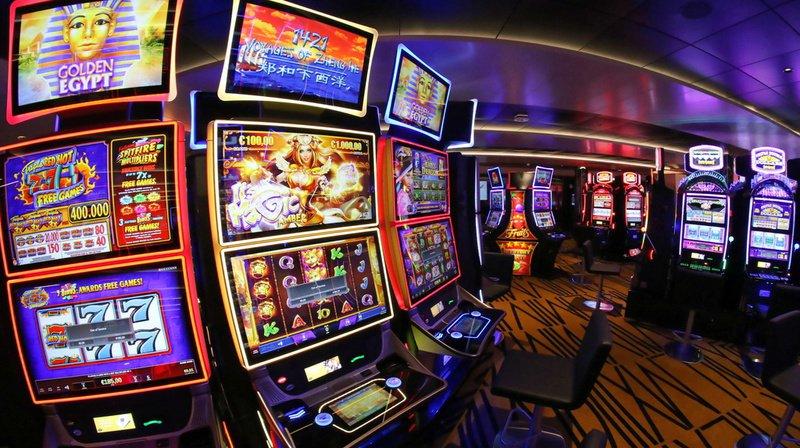 Jeux d'argent: quatre casinos suisses seront bientôt en ligne