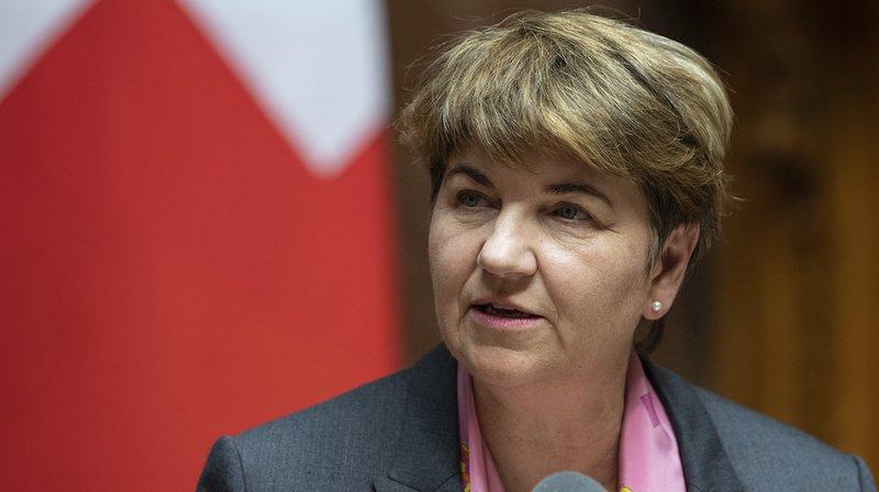 Armée: la conseillère fédérale Viola Amherd veut un troisième rapport sur les avions