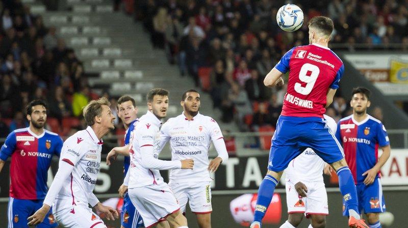 L'attaquant du FC Bâle Ricky van Wolfswinkel a marqué le premier but de son équipe à la 32e minute contre le FC Sion ce vendredi.