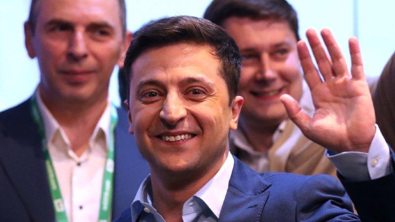 Ukraine: victoire écrasante du comédien Zelensky