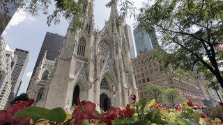 Etats-Unis: un homme arrêté avec des bidons d'essence dans la cathédrale de New York
